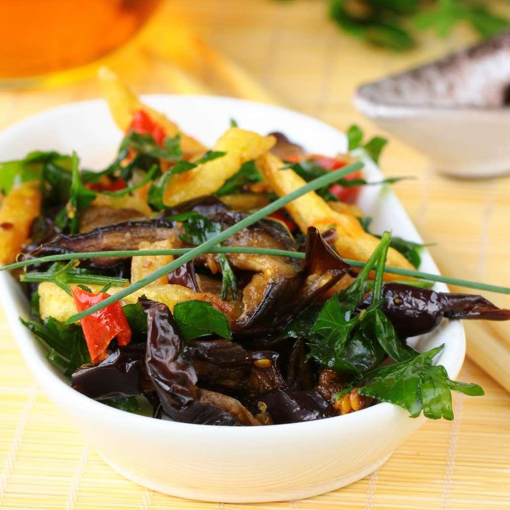 Salată asiatică cu vinete