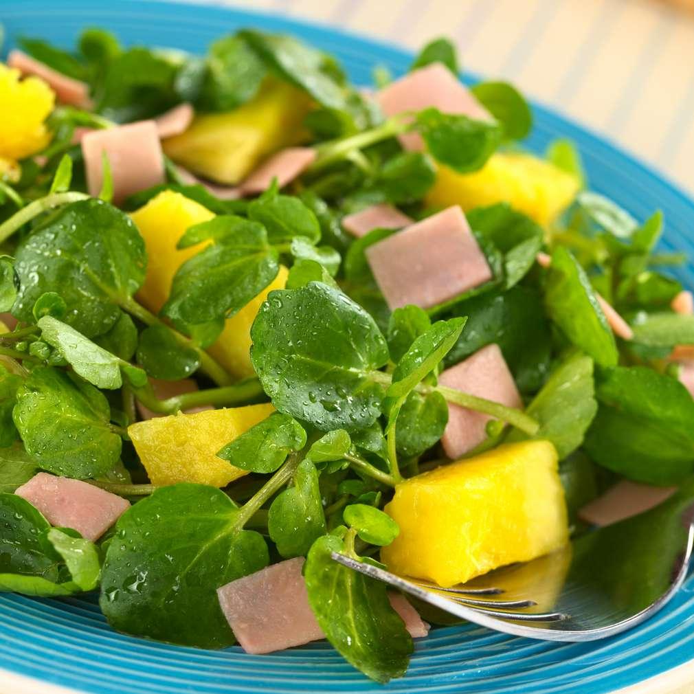 Imaginea rețetei Salată de untișor cu ananas