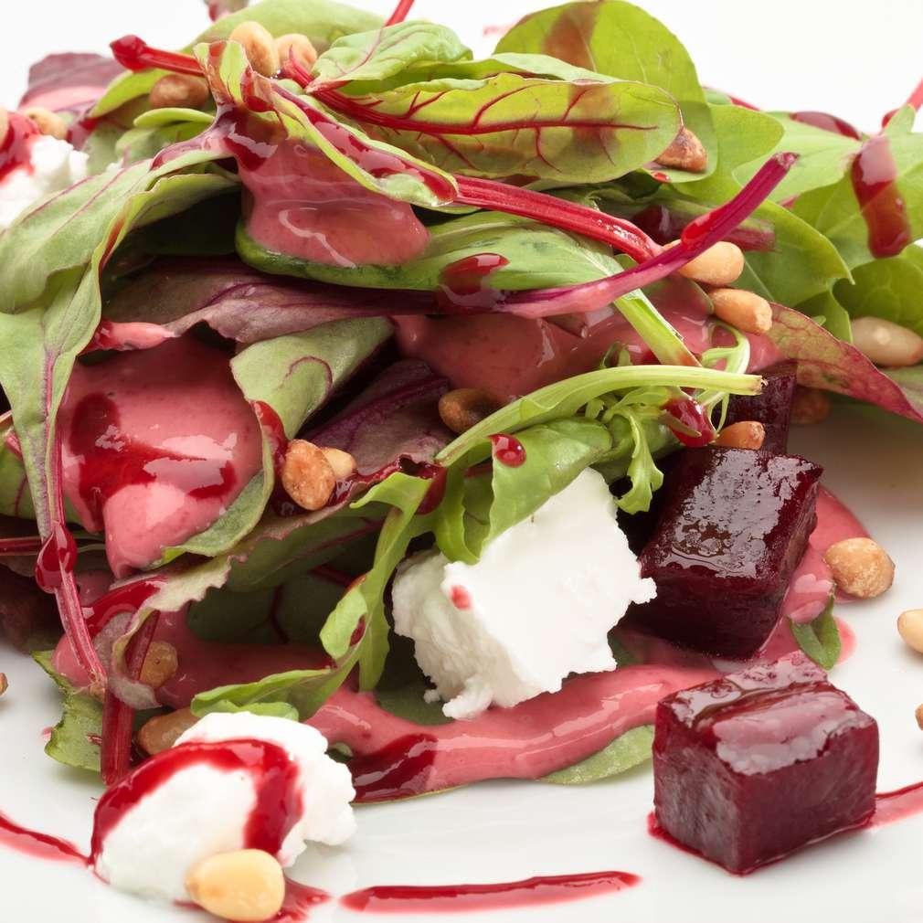 Imaginea rețetei Salată cu brânză de capră