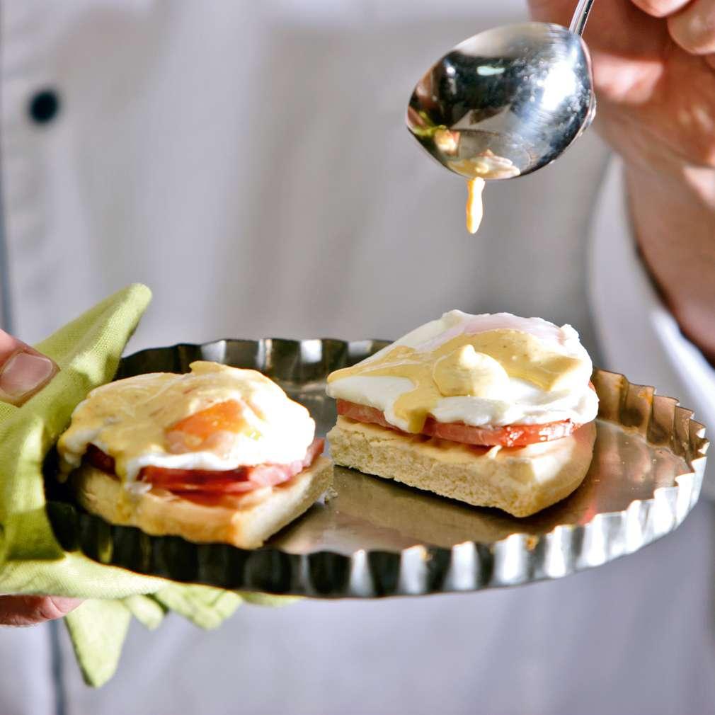 Изобразяване на рецептата Яйца Бенедикт