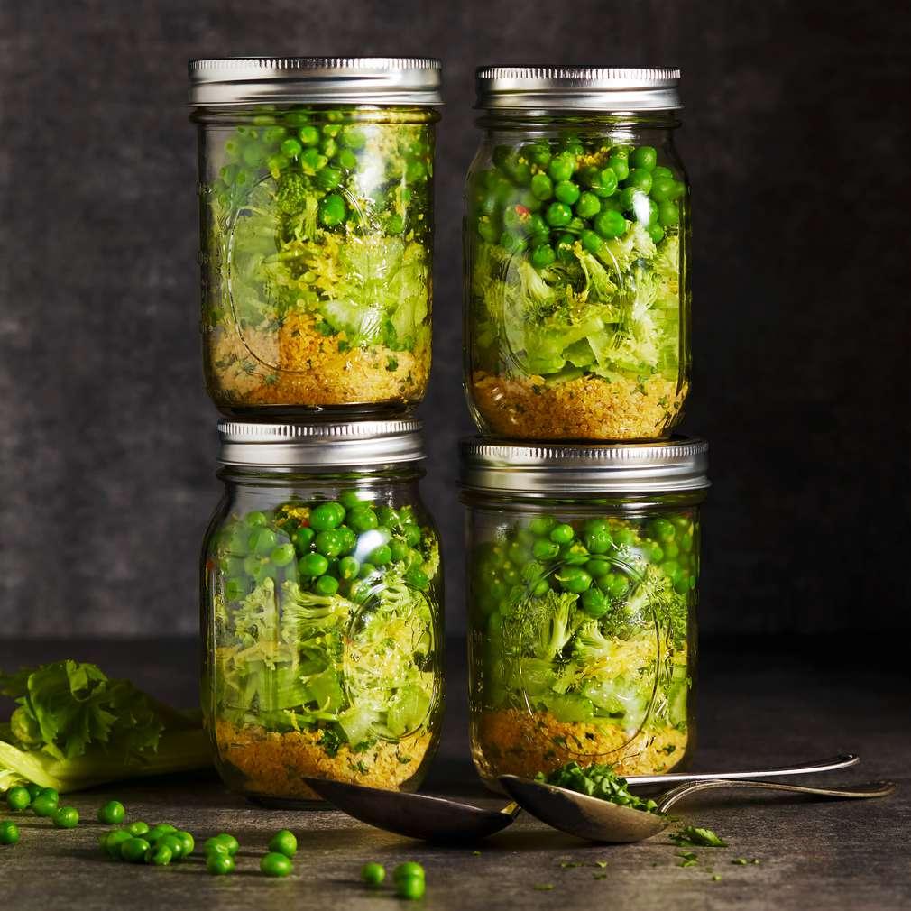 Abbildung des Rezepts Grüne Bulgur-Gemüsesuppe im Glas