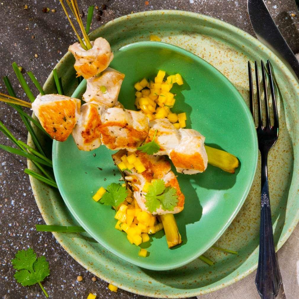 Abbildung des Rezepts Marinierte Hähnchenstücke mit Mango-Salsa