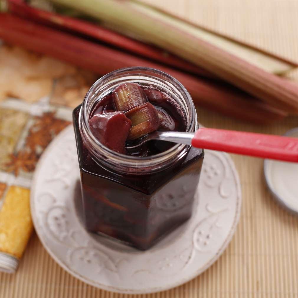 Imaginea rețetei Compot aromat de rubarbă