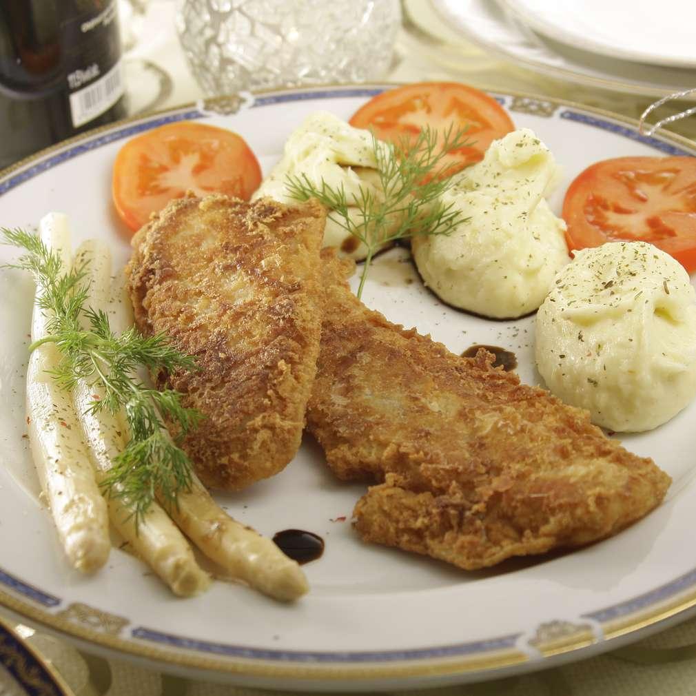 Imaginea rețetei Pește cu sparanghel și piure de cartofi