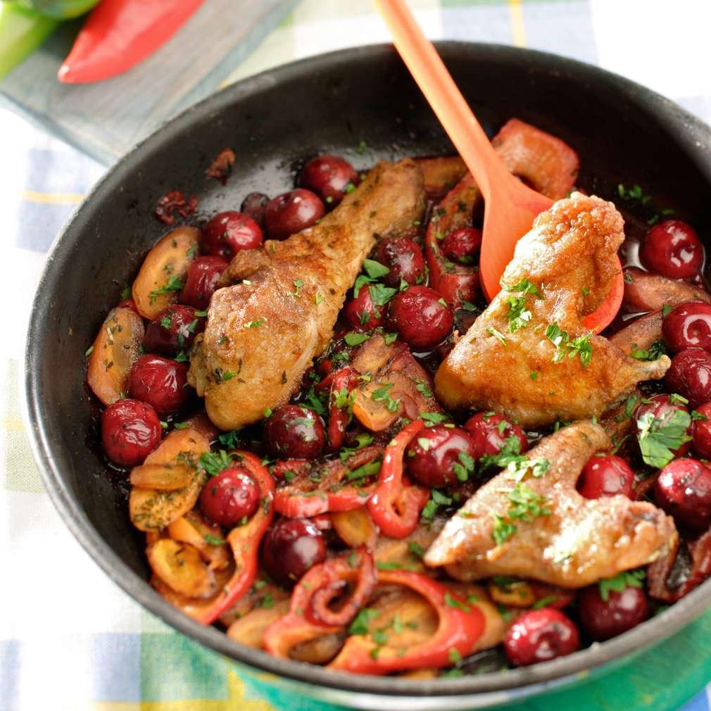 Изобразяване на рецептата Панирано пилешко с вишнев аромат