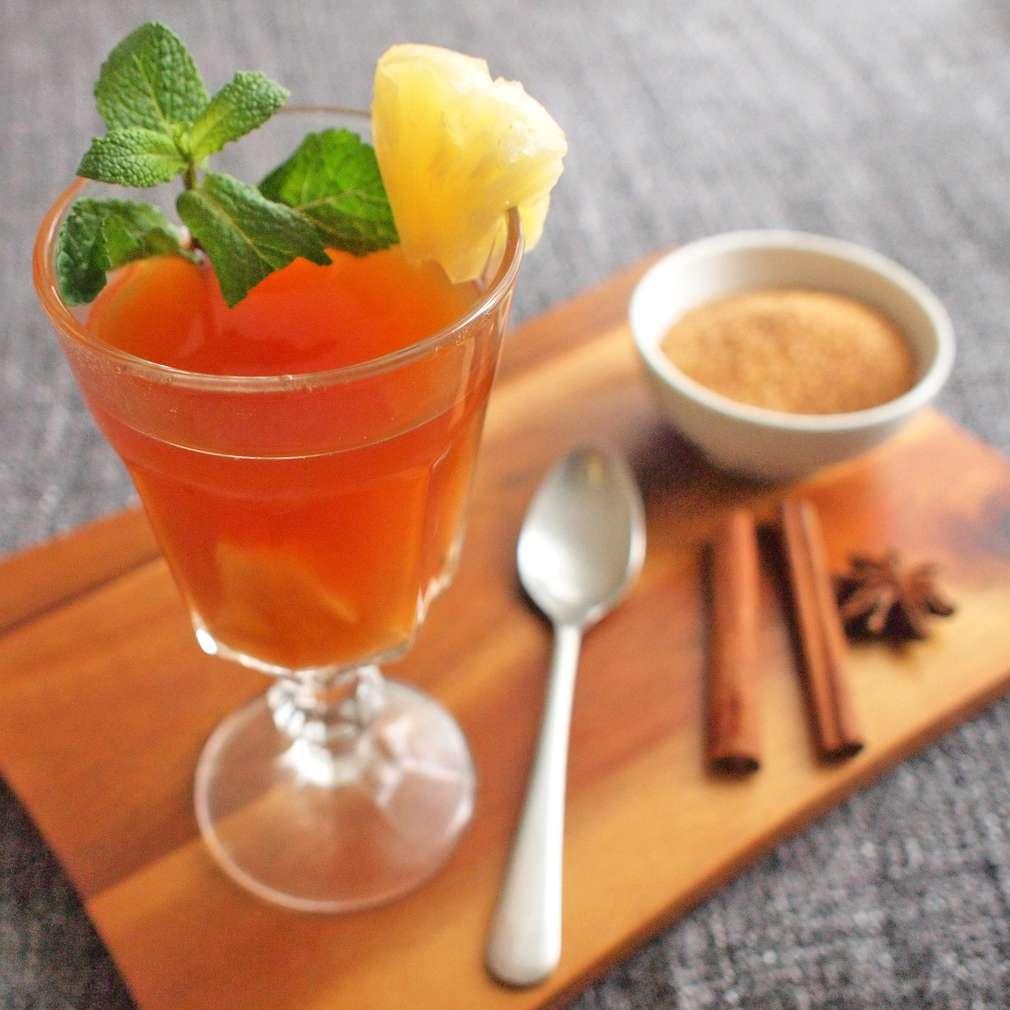 Zobrazit Ananasový čaj se skořicí receptů