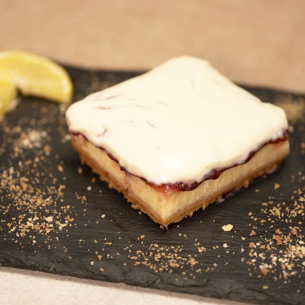Изобразяване на рецептата Чийзкейк със сладко от вишни