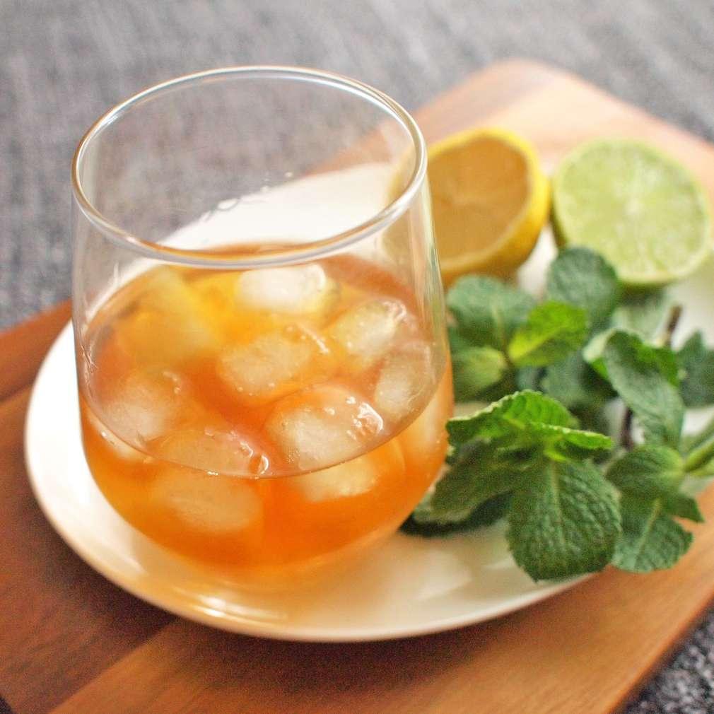 Zobrazit Ananasový punč s rumem receptů