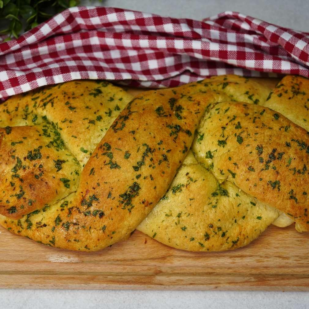 Изобразяване на рецептата Моцарелено хлебче с пилешко