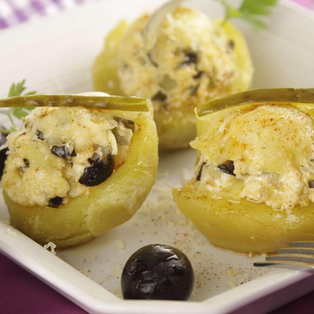 Imaginea rețetei Cartofi umpluți cu brânză și măsline