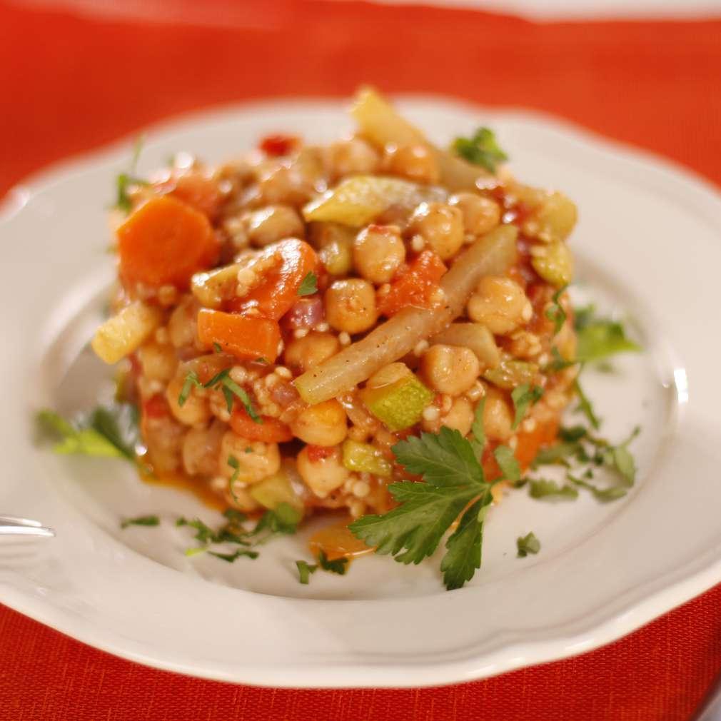 Imaginea rețetei Cușcuș cu năut și legume