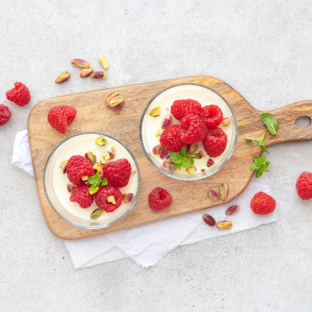 Zobrazit Vanilkový puding s malinami receptů