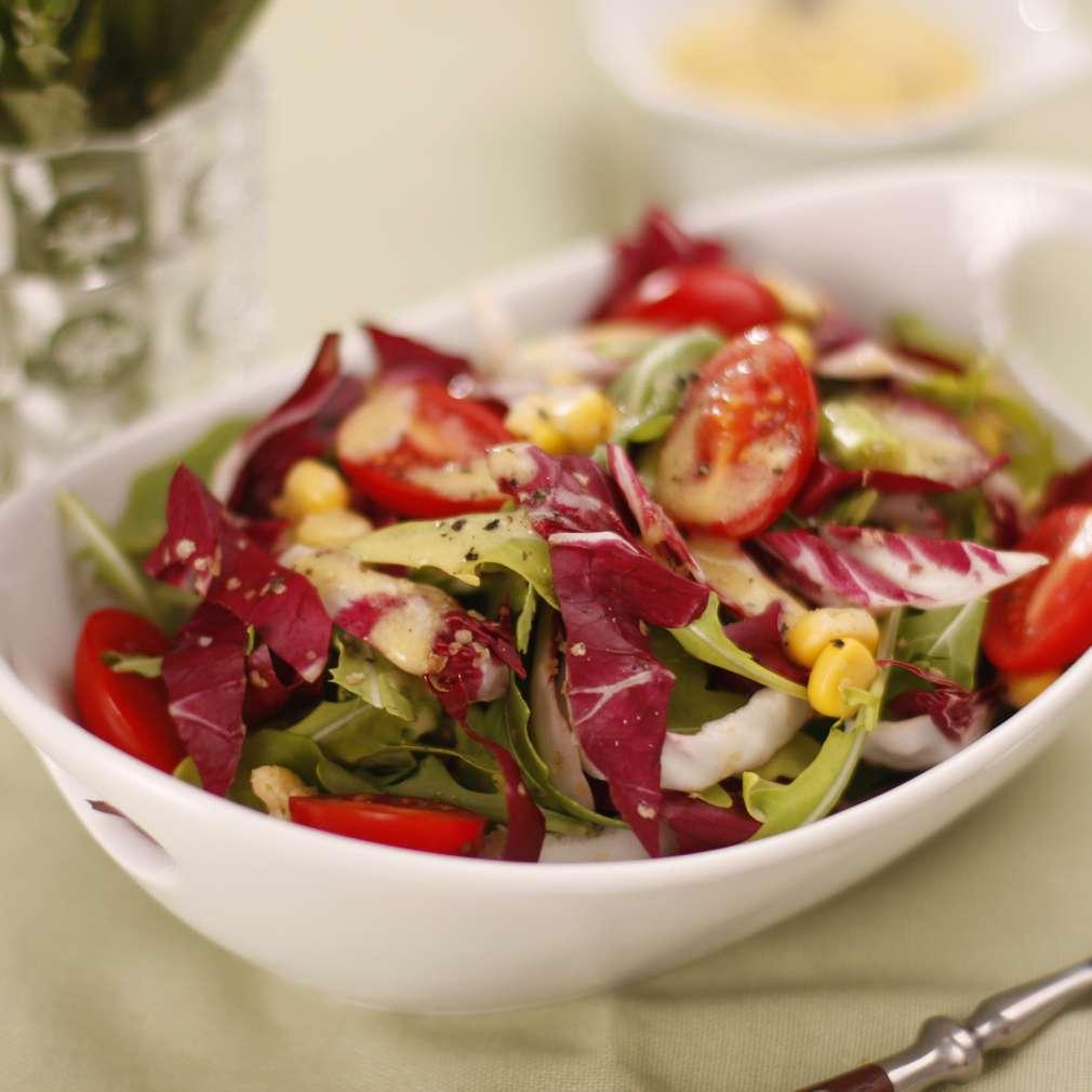 Salată cu porumb dulce