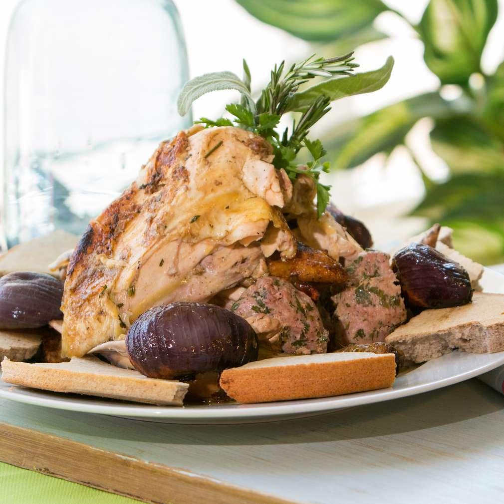 Изобразяване на рецептата Пълнено печено пиле по селски