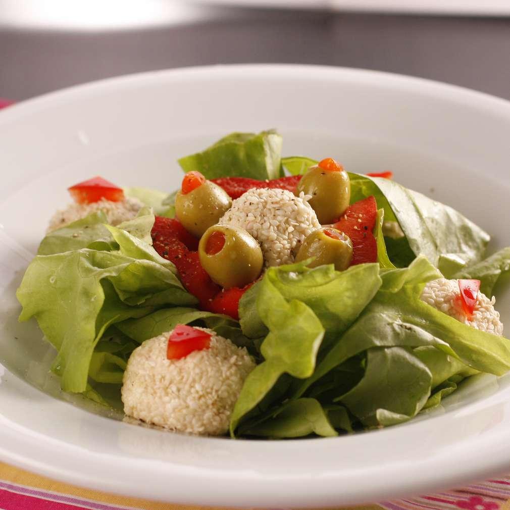 Trufe de urdă cu salată verde