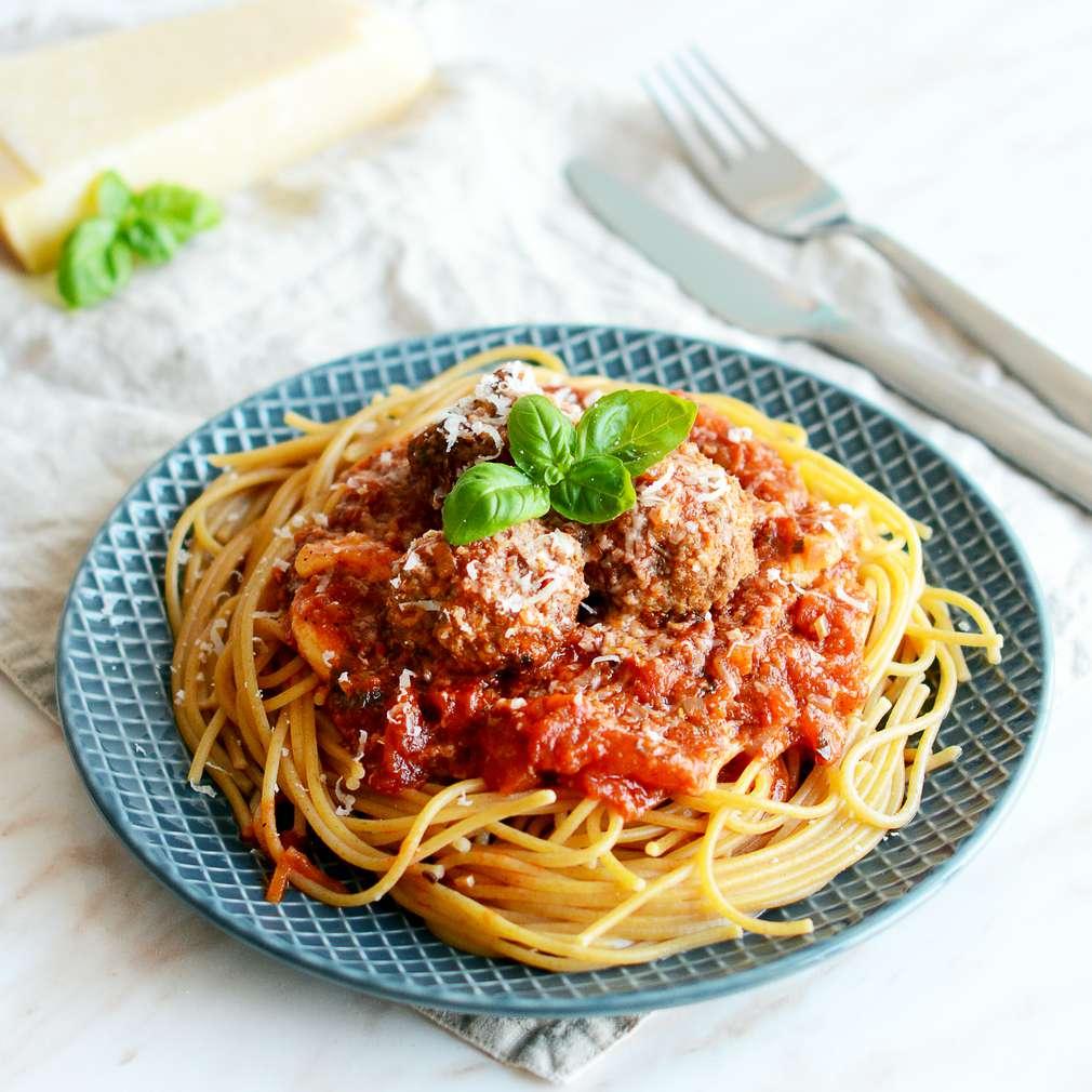 Zobrazenie receptu Mäsové guľky s paradajkovou omáčkou a cestovinami