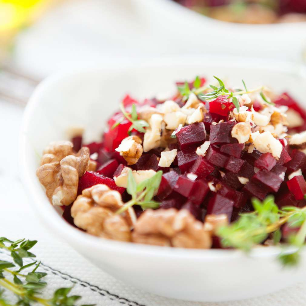 Imaginea rețetei Salată de sfeclă cu nuci