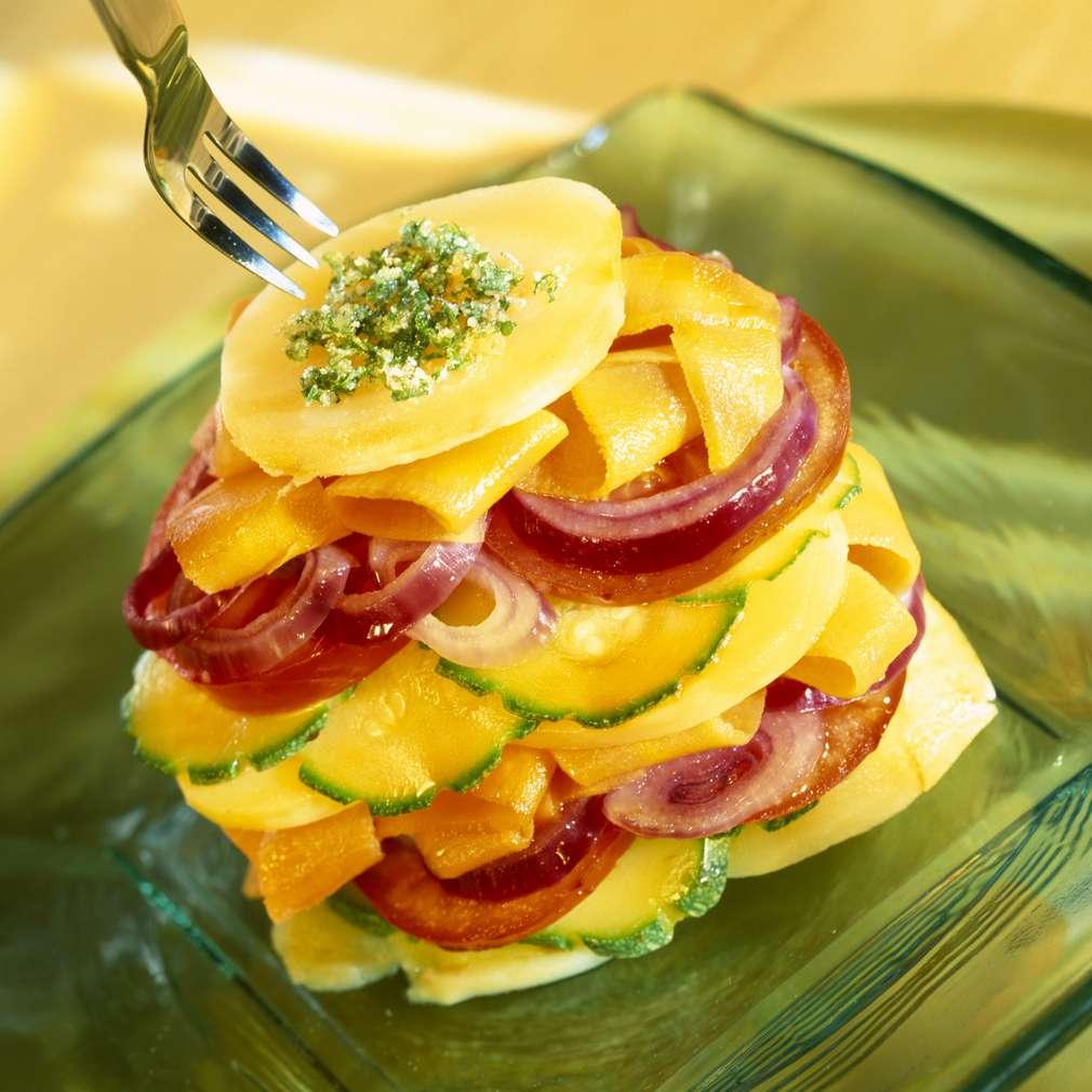 Salată cu piersici