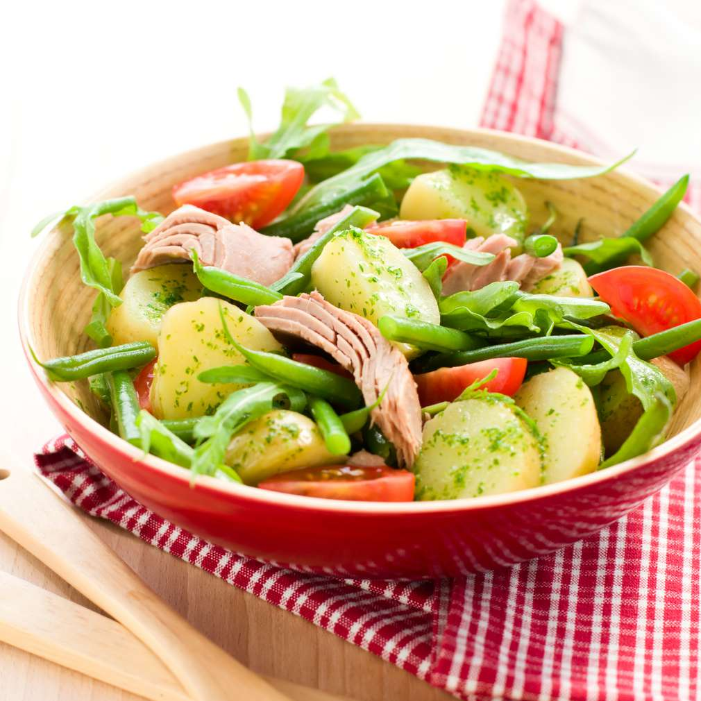 Imaginea rețetei Salată de cartofi cu ton și fasole verde