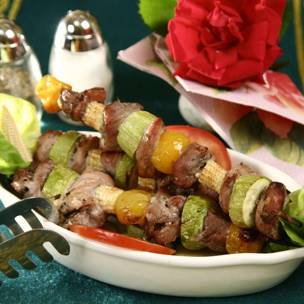 Imaginea rețetei Frigărui cu legume și pulpă de vită marinată