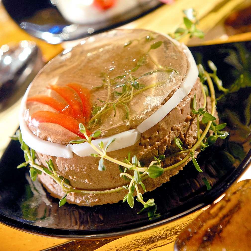 Изобразяване на рецептата Пастет от пилешки дробчета с кисели краставички