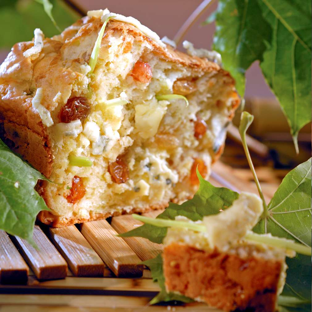 Изобразяване на рецептата Солен кекс с праз и синьо сирене