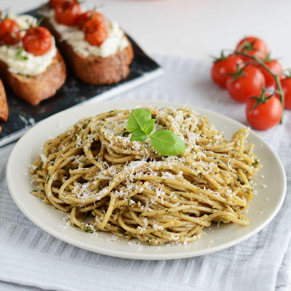 Zobrazenie receptu Špagety s domácim pestom a slnečnicovými semienkami