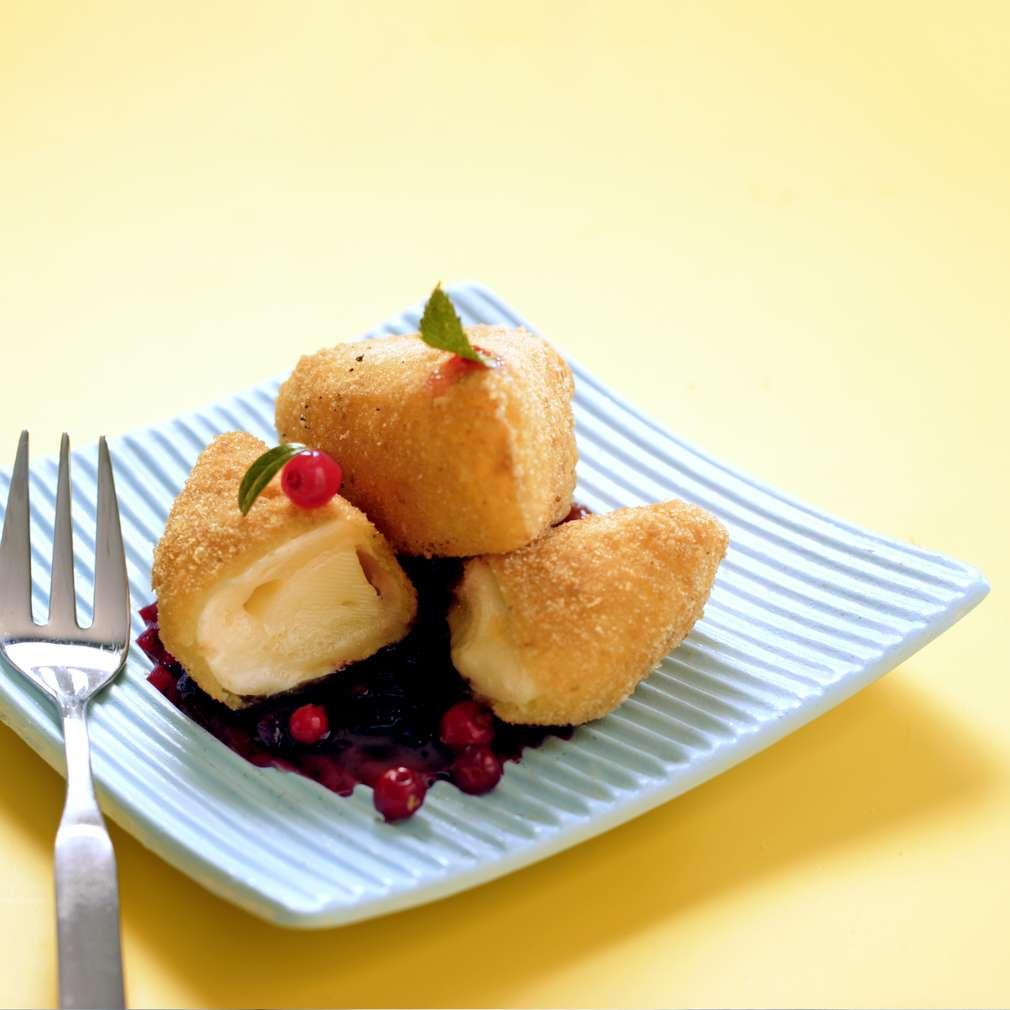 Изобразяване на рецептата Камембер с боровинков сос