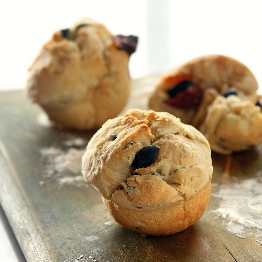 Изобразяване на рецептата Хлебчета с маслини и сушени домати