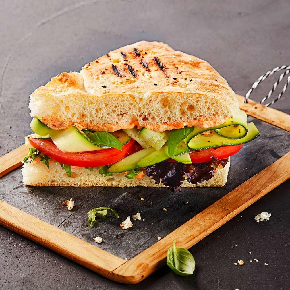 Изобразяване на рецептата Свеж веджи сандвич с тиквичка