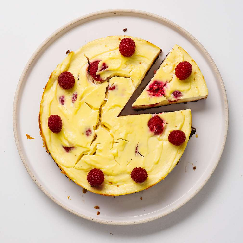 Imaginea rețetei Cheesecake cu ciocolată și zmeură