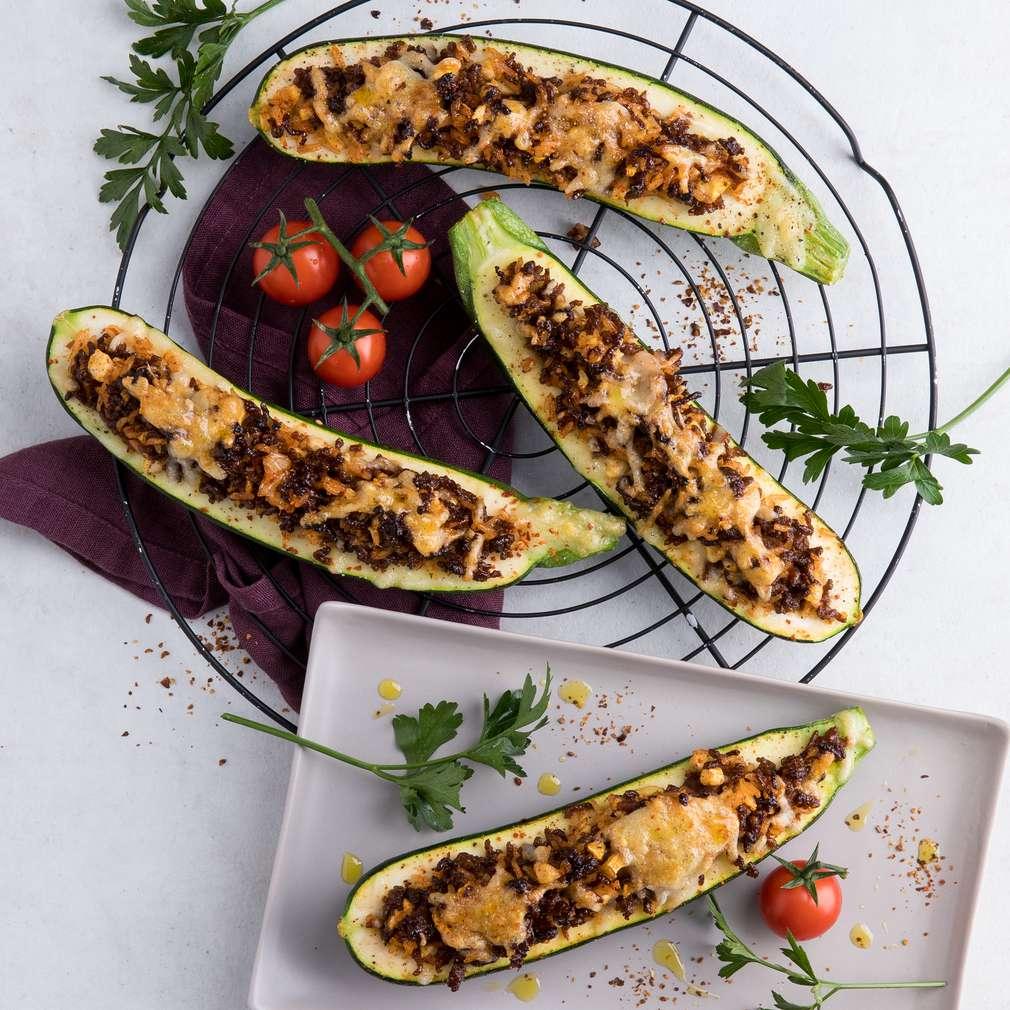 Abbildung des Rezepts Zucchini-Schiffchen mit Reis und Hackfleisch