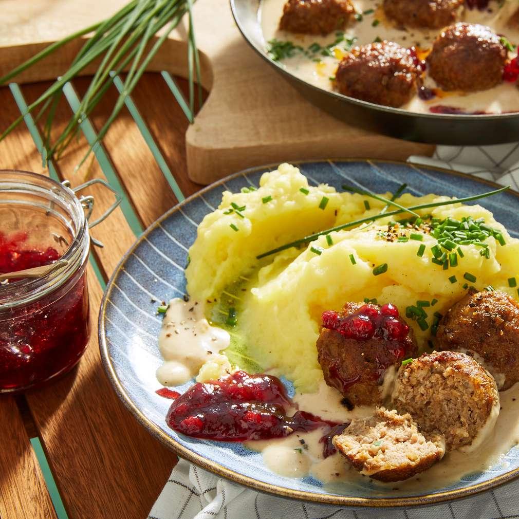 Imaginea rețetei Chifteluțe cu piure de cartofi și chives