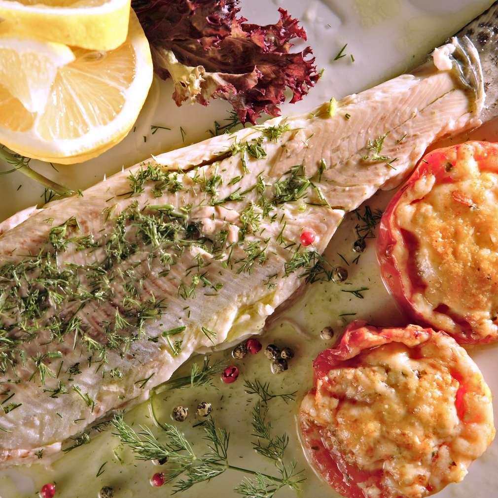 Изобразяване на рецептата Пъстърва на пара със зелен сос
