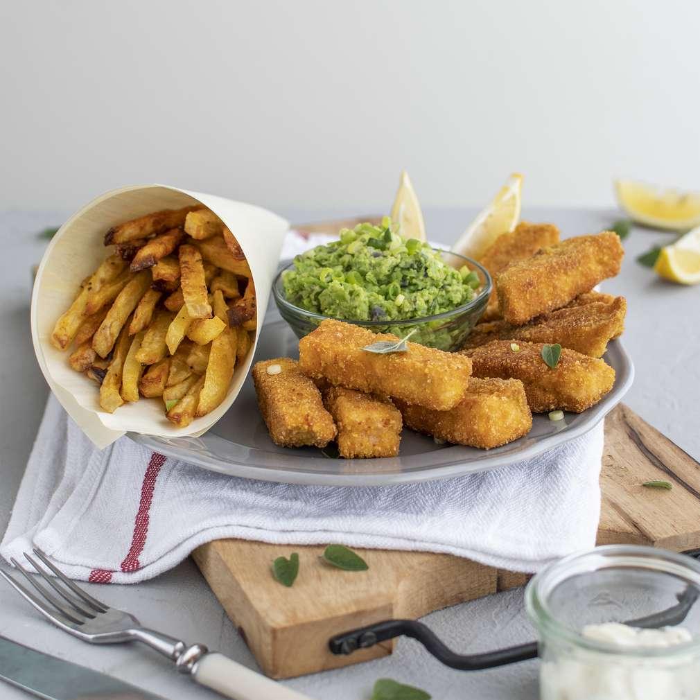 Zobrazenie receptu Lososové rybie prsty s domácimi hranolčekmi a hráškovým pyré