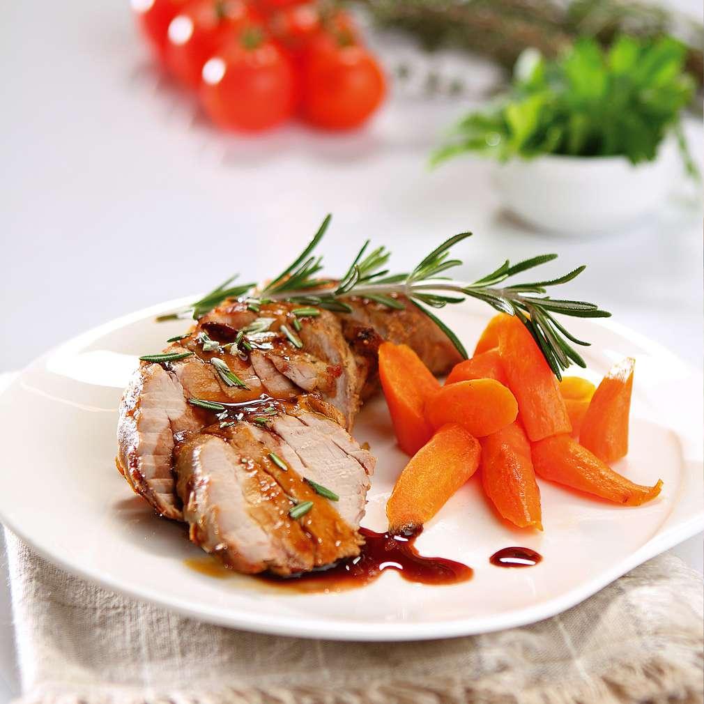 Изобразяване на рецептата Свинско бонфиле с розмарин и сос Порто