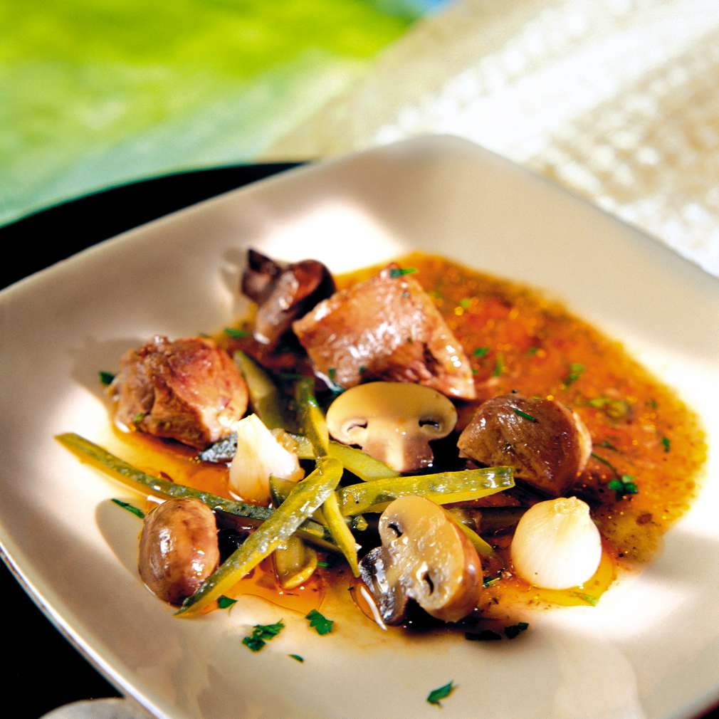 Изобразяване на рецептата Свински джолан в гърне по ловджийски