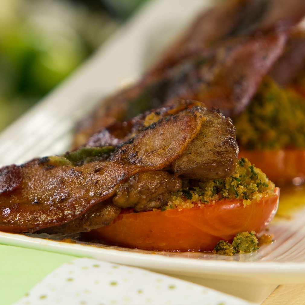 Изобразяване на рецептата Телешко салтимбока с гретенирани домати