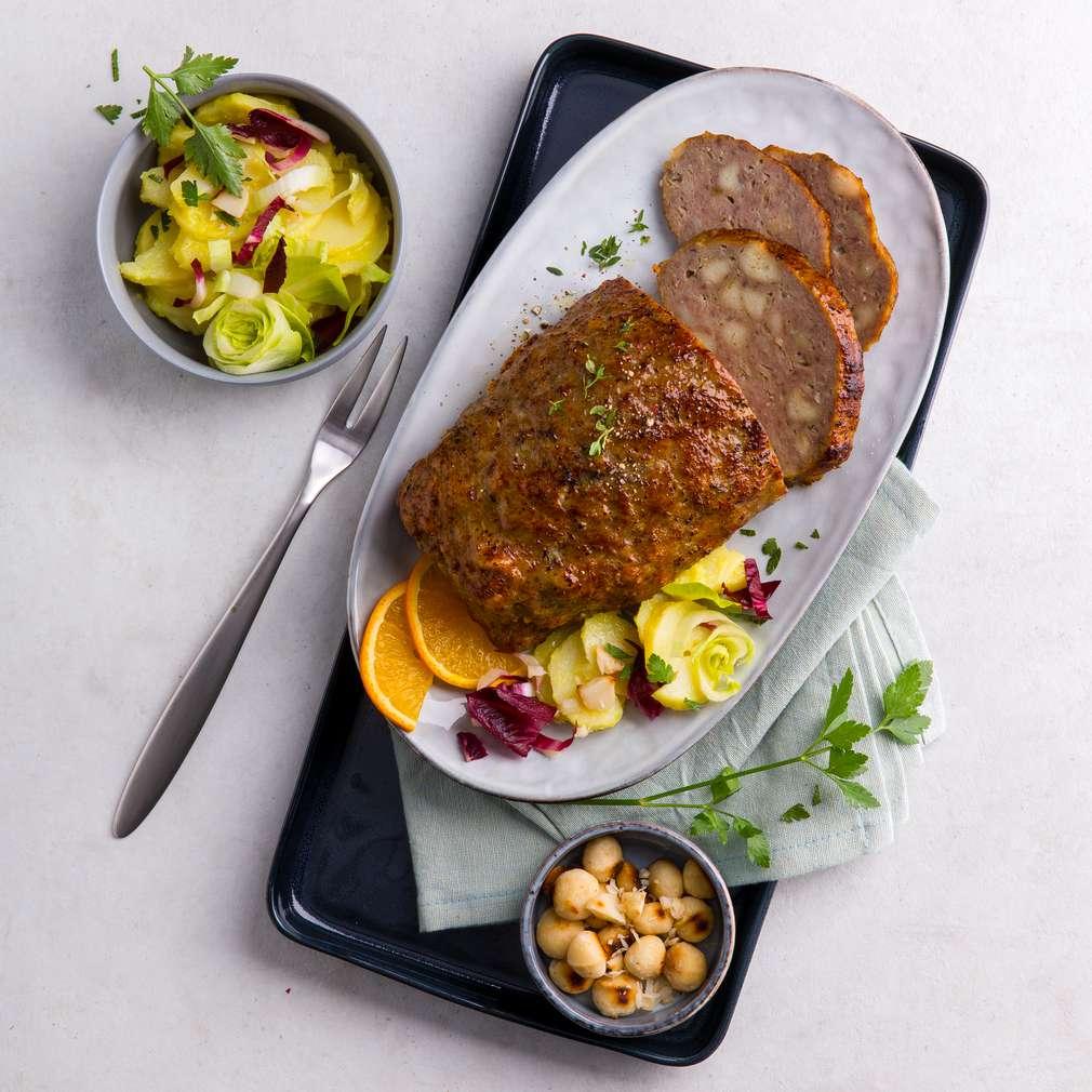 Drob din carne tocată cu salată de cartofi și nuci macadamia