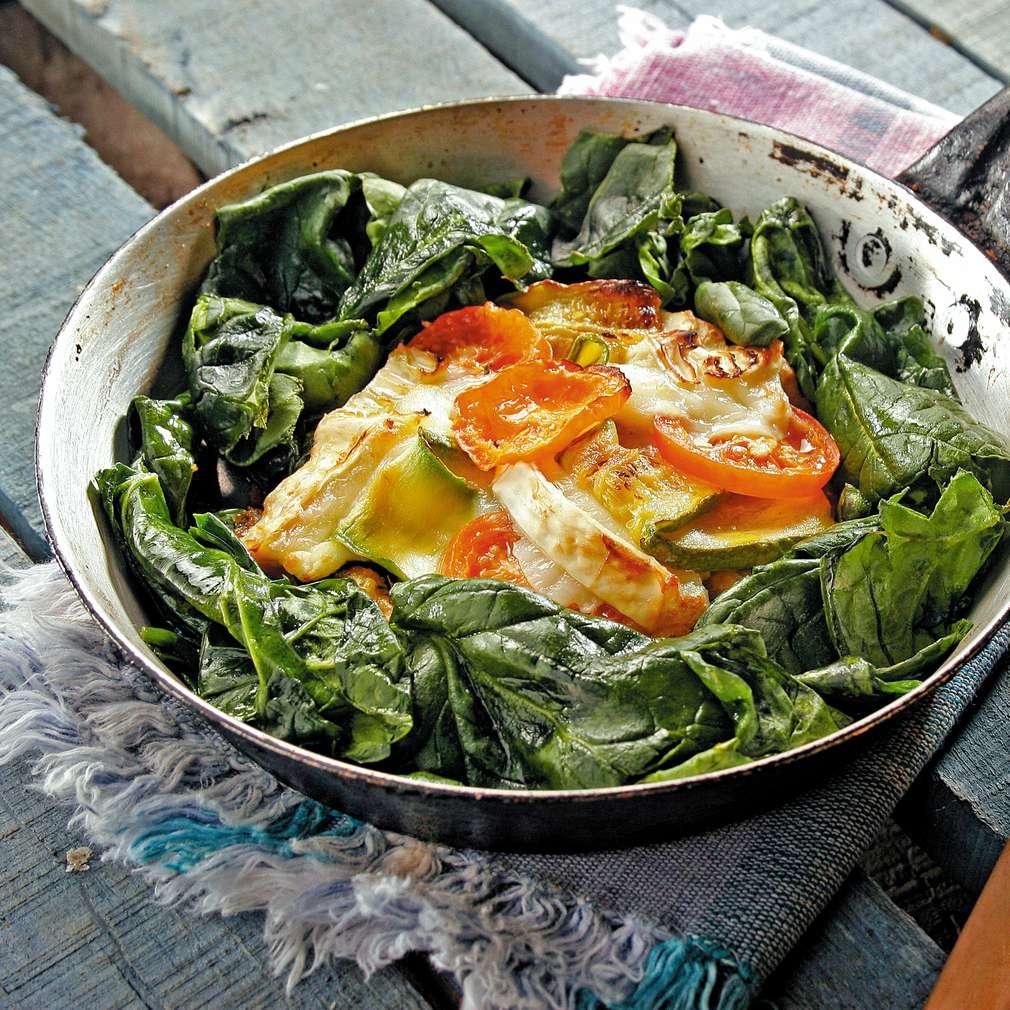 Изобразяване на рецептата Спанак с тиквички и козе сирене