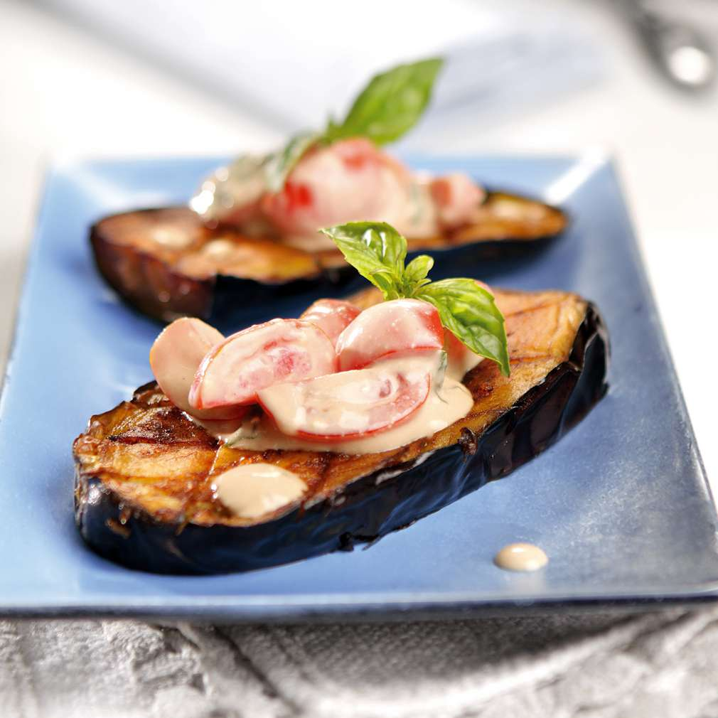 Изобразяване на рецептата Патладжани със сос от синьо сирене и домати