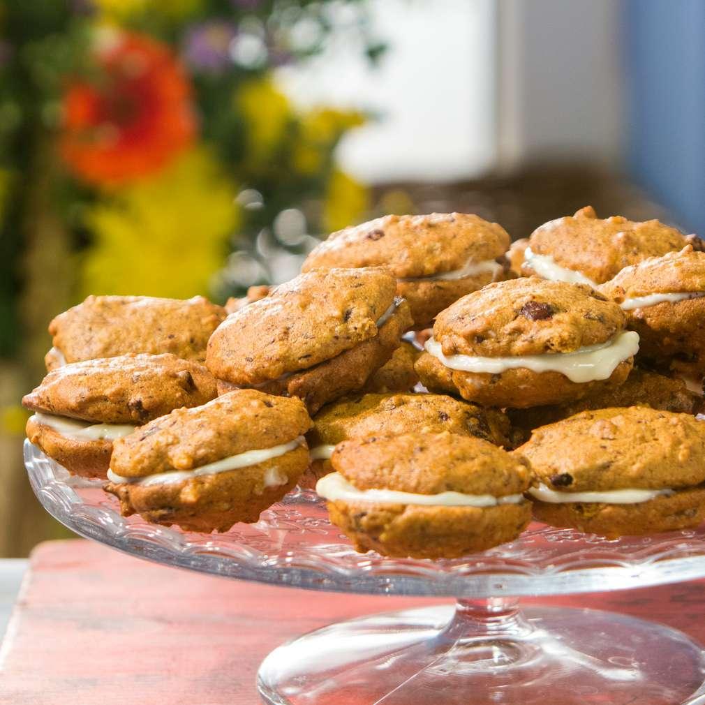 Изобразяване на рецептата Бисквити с тиква и шоколад