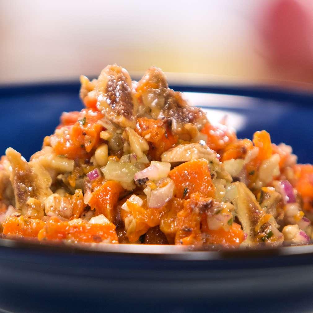 Изобразяване на рецептата Салата от печена тиква с орехи и смокини