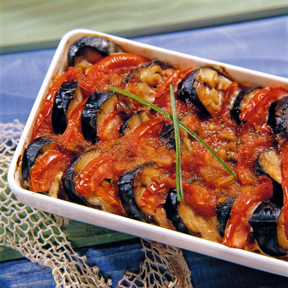 Изобразяване на рецептата Скумрия с домати на фурна