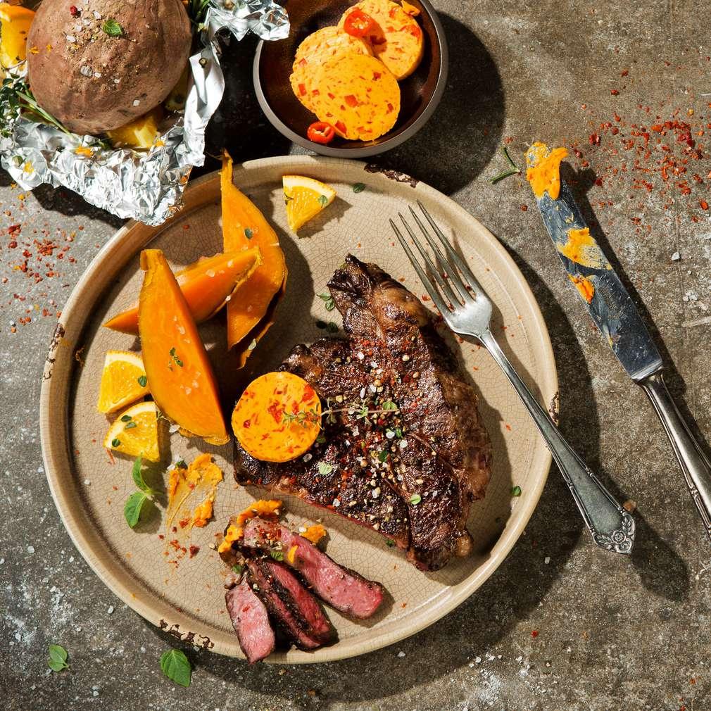 Abbildung des Rezepts Rib-Eye-Steak mit Süßkartoffeln