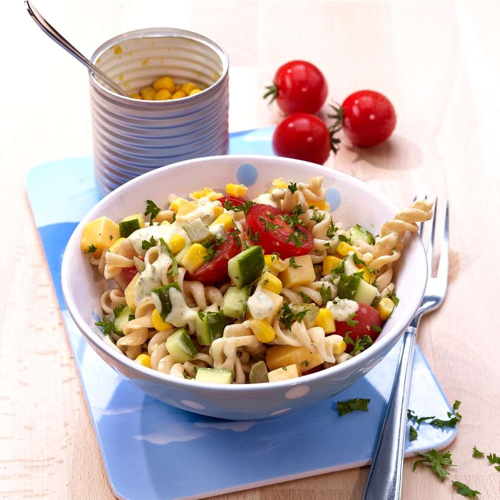 Imaginea rețetei Salată de tăiței rapidă