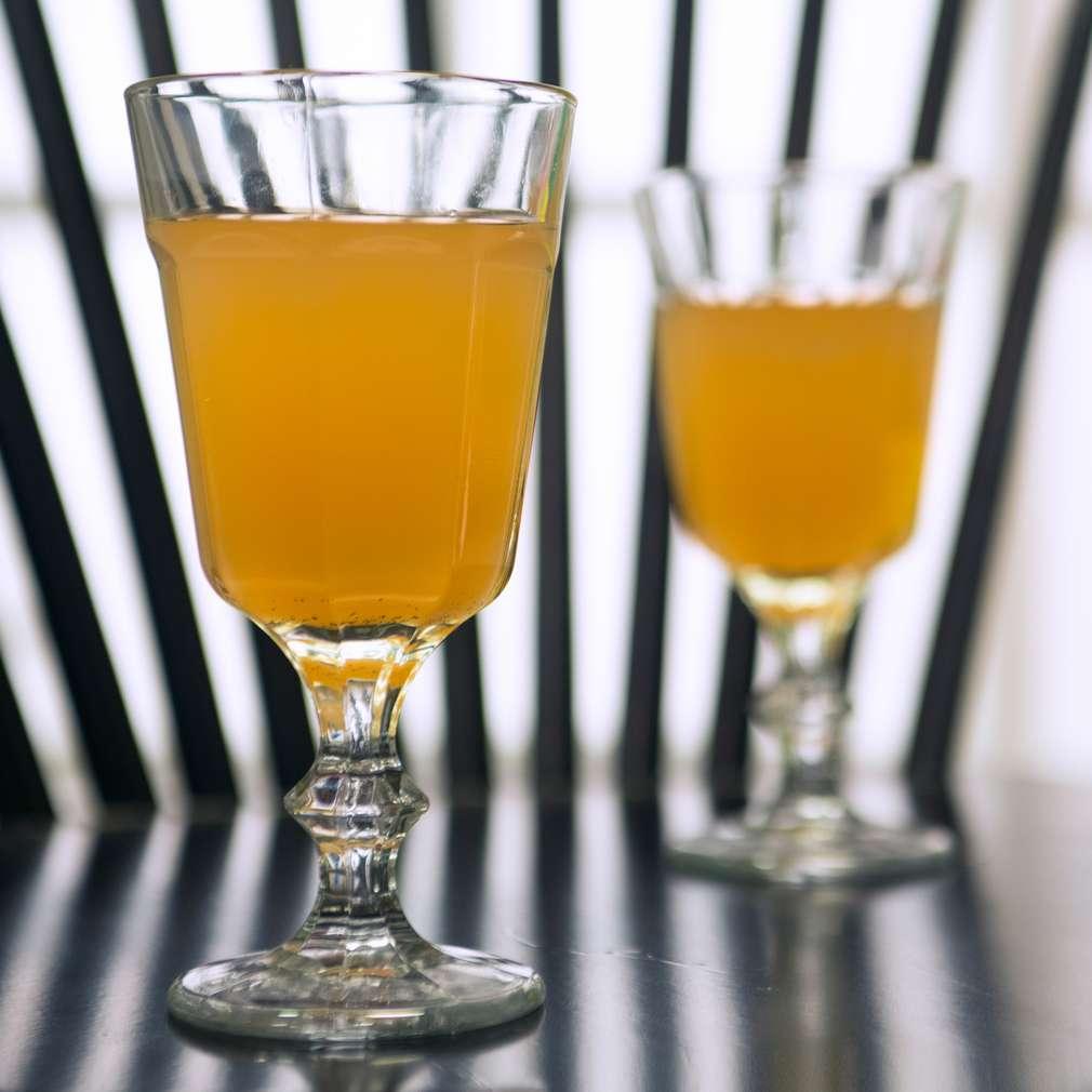 Изобразяване на рецептата Топъл ябълков сок