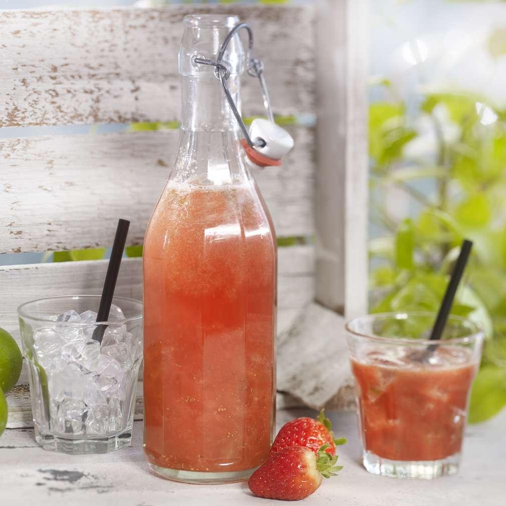 Abbildung des Rezepts Erdbeer-Grüntee-Limonade