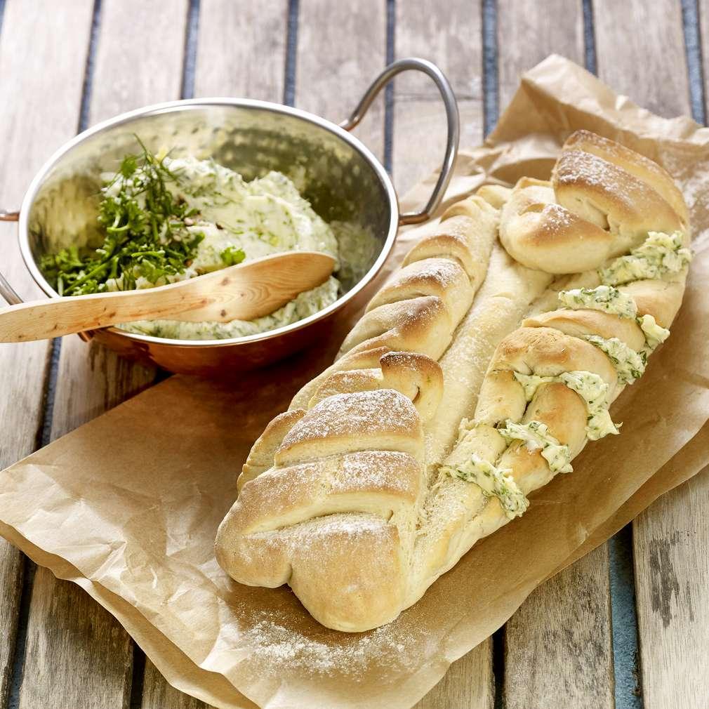 Abbildung des Rezepts Gartenkräuter-Baguette