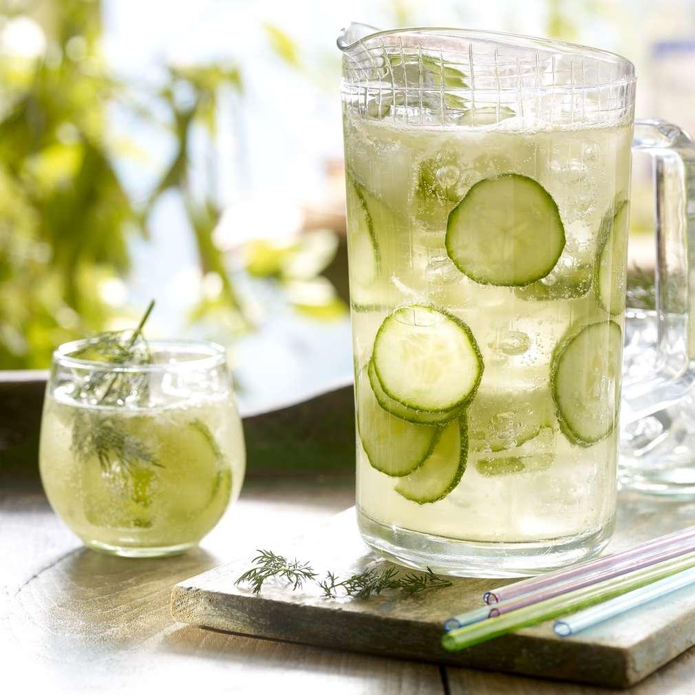 Изобразяване на рецептата Лимонада с краставица и лайм
